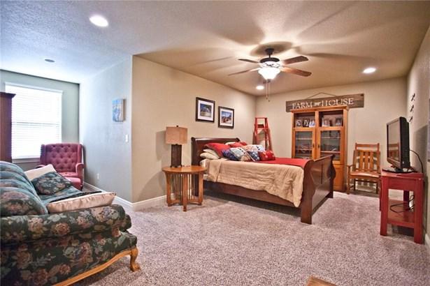 Traditional, House - Farmington, AR (photo 5)