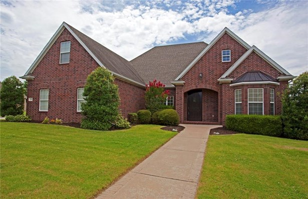 Traditional, House - Rogers, AR (photo 1)