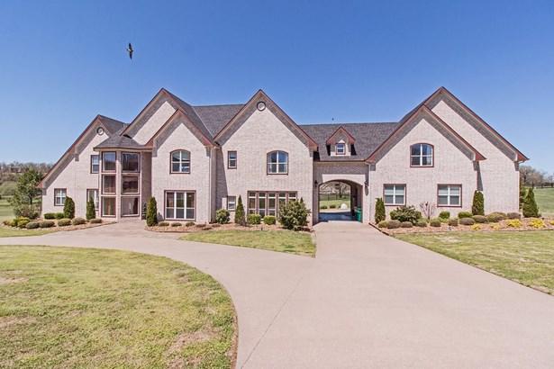 House, European - Springdale, AR (photo 3)