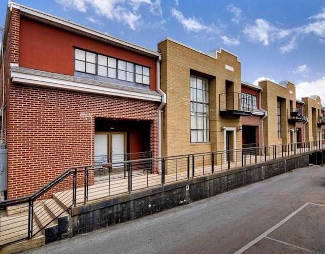 Condo, Contemporary - Fayetteville, AR (photo 2)