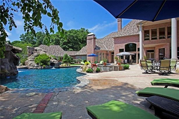 Estate, House - Bentonville, AR (photo 4)