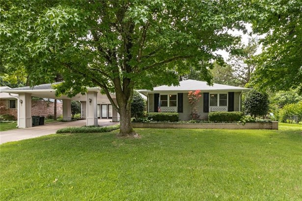 2811  N Stanton  Ave , Fayetteville, AR - USA (photo 1)