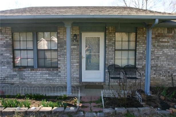 Ranch, House - Fayetteville, AR (photo 3)
