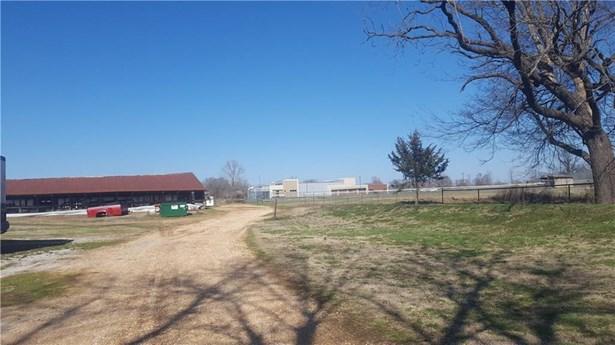 Ranch, House - Decatur, AR (photo 3)