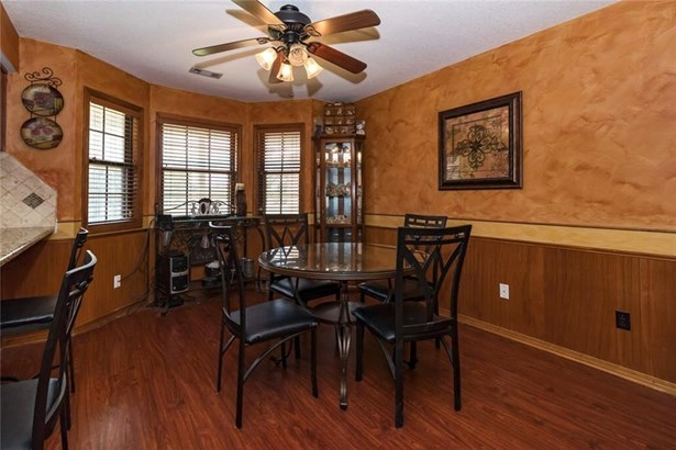 Traditional, House - Bethel Heights, AR (photo 3)