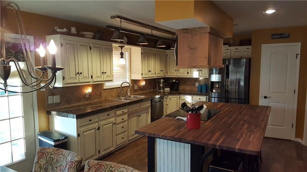 975 Elm Springs  Rd , Springdale, AR - USA (photo 3)