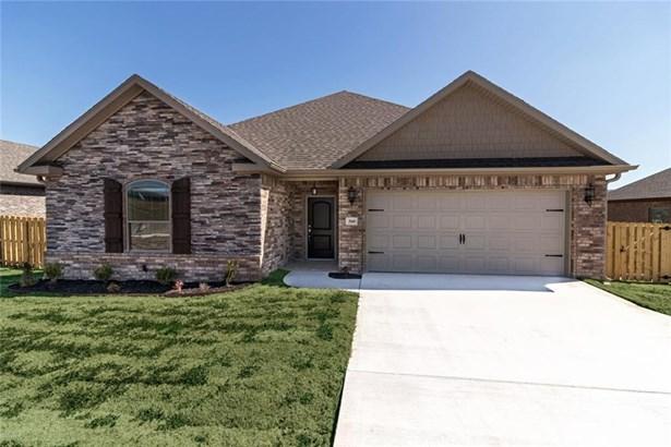 Traditional, House - Prairie Grove, AR (photo 1)