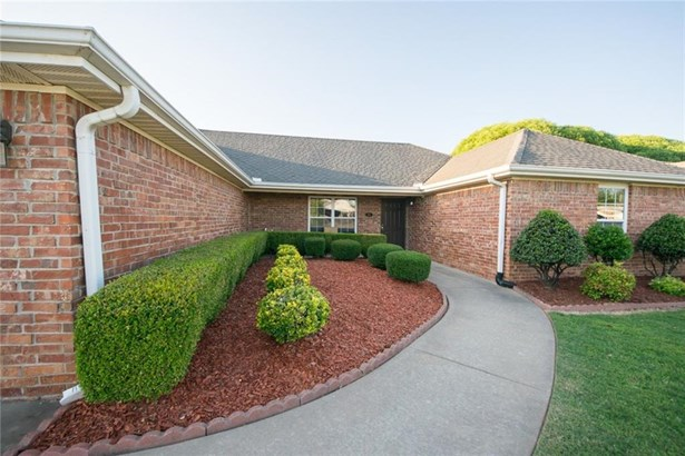 Traditional, House - Bethel Heights, AR