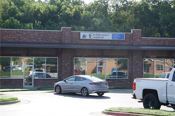 Commercial Lease - Farmington, AR (photo 3)