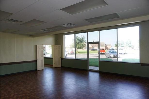 Commercial Lease - Farmington, AR (photo 4)