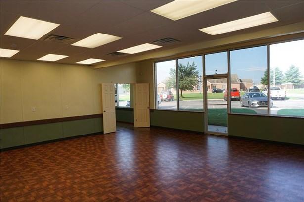 Commercial Lease - Farmington, AR (photo 5)