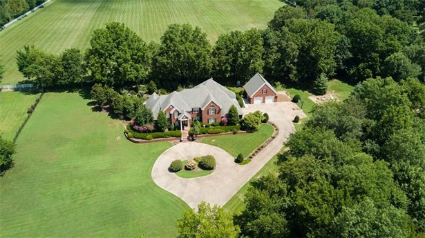 Estate,Traditional, House - Springdale, AR (photo 2)