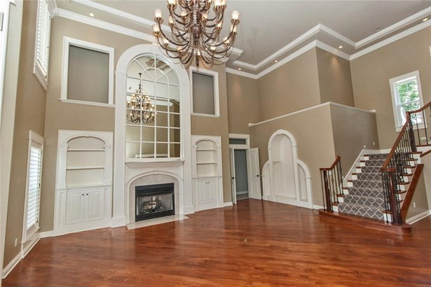 Estate,Traditional, House - Springdale, AR (photo 5)