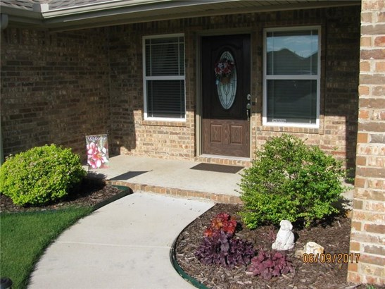 Traditional, House - Fayetteville, AR (photo 2)
