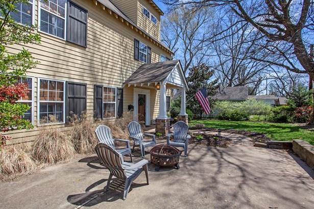 Colonial, House - Bentonville, AR (photo 3)
