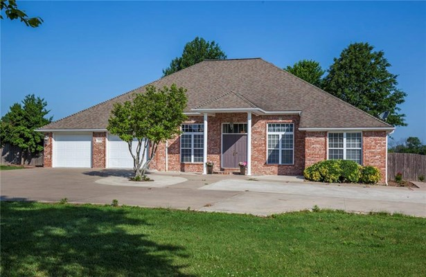 Estate,Traditional, House - Siloam Springs, AR (photo 1)