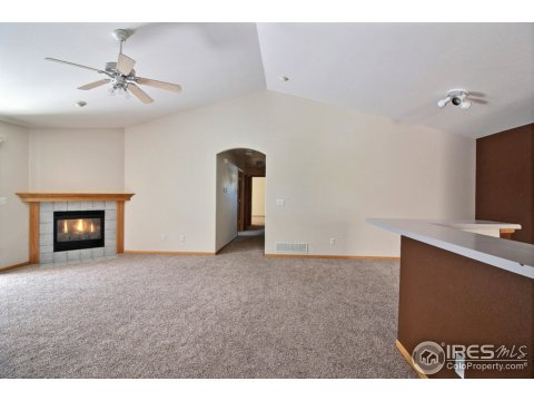 Residential-Detached, 1 Story/Ranch - Johnstown, CO (photo 3)