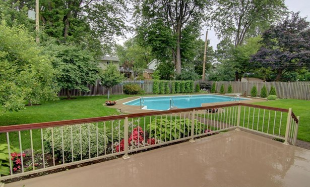 247 Hollis Road, Beaconsfield, QC - CAN (photo 2)