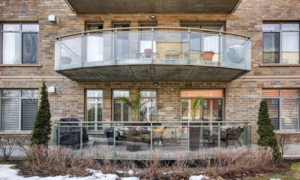 145 Av. Cartier 102, Pointe-claire, QC - CAN (photo 2)