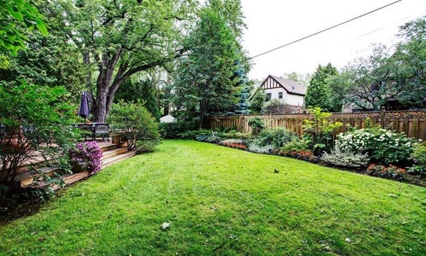 10 Thurlow Road, Hampstead, QC - CAN (photo 1)
