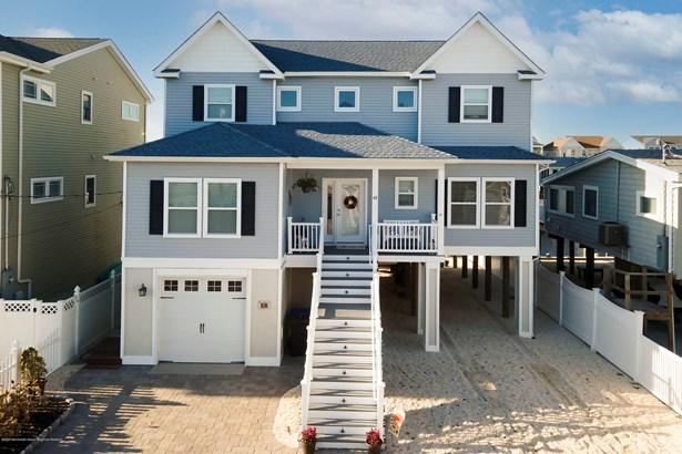 2 Story,Shore Colonial, Single Family,Detached - Beach Haven West, NJ