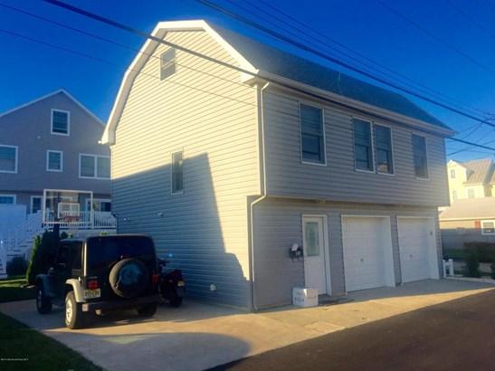 Apartment, Upper Level - Avon-by-the-sea, NJ (photo 1)