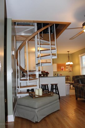 Apartment, Upper Level - Avon-by-the-sea, NJ (photo 5)