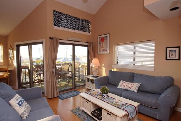 Condominium,Condominium, Attached,End Unit,Middle Level - Ortley Beach, NJ (photo 1)
