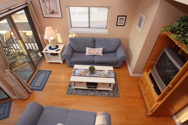 Condominium,Condominium, Attached,End Unit,Middle Level - Ortley Beach, NJ (photo 4)