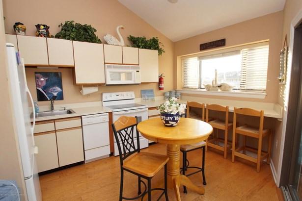 Condominium,Condominium, Attached,End Unit,Middle Level - Ortley Beach, NJ (photo 5)