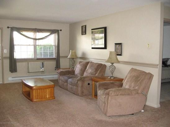 Condominium,Condominium - Lower Level,One Level Unit,Other - See Remarks (photo 3)