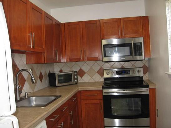Condominium,Condominium - Lower Level,One Level Unit,Other - See Remarks (photo 5)