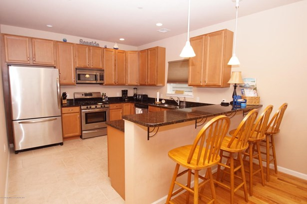 Condominium,Condominium, Middle Level,One Level Unit - Seaside Heights, NJ (photo 1)