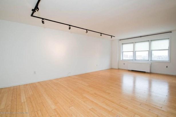 Condominium,Condominium, One Level Unit,Upper Level - Asbury Park, NJ (photo 4)