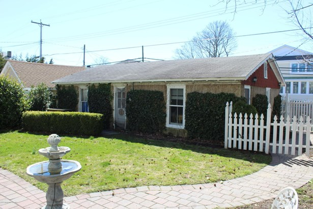 Cottage/Bungalow, Single Family - Avon-by-the-sea, NJ (photo 1)