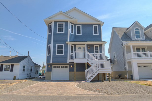 Colonial,Custom,Shore Colonial, Single Family,Detached - Bayville, NJ (photo 1)