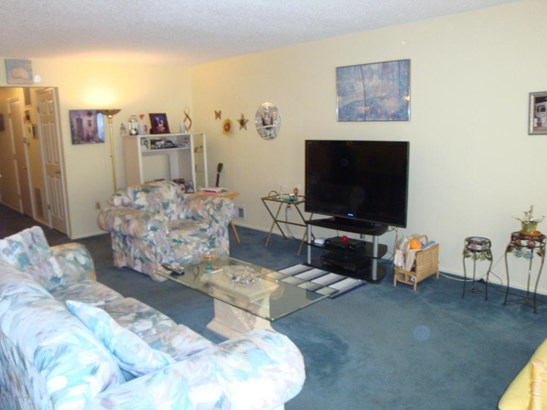 Condominium,Attached, Attached,Lower Level,One Level Unit - Tinton Falls, NJ (photo 3)