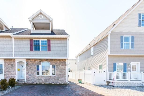 Attached,End Unit,Townhouse, Condominium,Townhouse - Ortley Beach, NJ (photo 2)