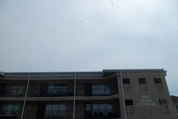 Condominium,Attached, Attached,One Level Unit,Upper Level - Seaside Park, NJ (photo 2)