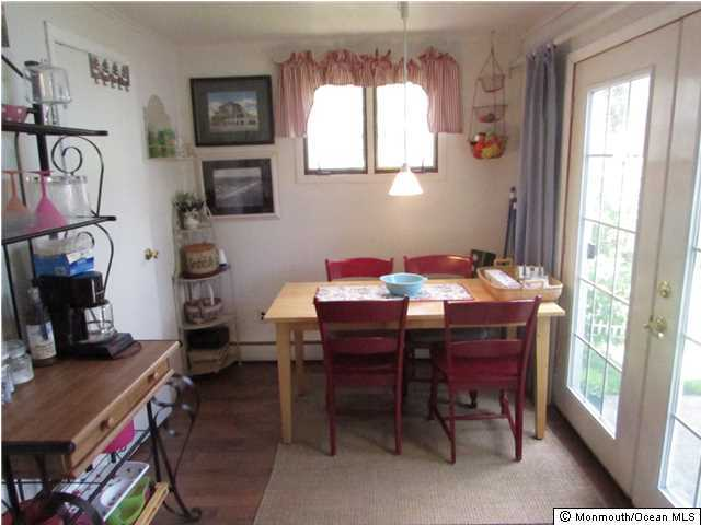 Cottage/Bungalow, Single Family - Avon-by-the-sea, NJ (photo 4)
