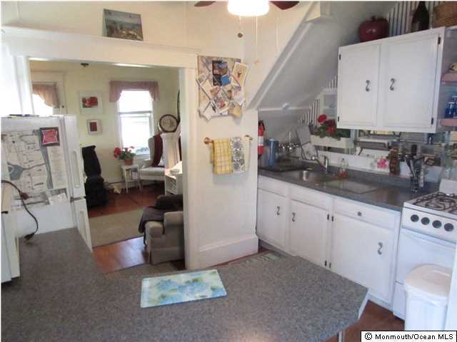 Cottage/Bungalow, Single Family - Avon-by-the-sea, NJ (photo 5)