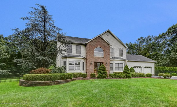 Colonial,Custom, Single Family,Detached - Freehold, NJ (photo 2)