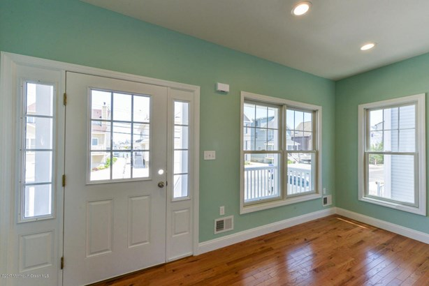 Colonial, Single Family,Detached - Ortley Beach, NJ (photo 4)