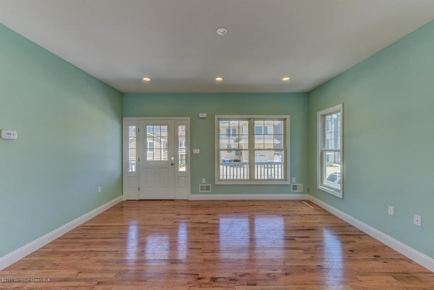 Colonial, Single Family,Detached - Ortley Beach, NJ (photo 5)