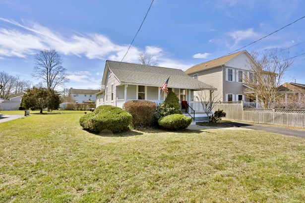 Cottage/Bungalow, Single Family,Detached - Spring Lake Heights, NJ (photo 1)