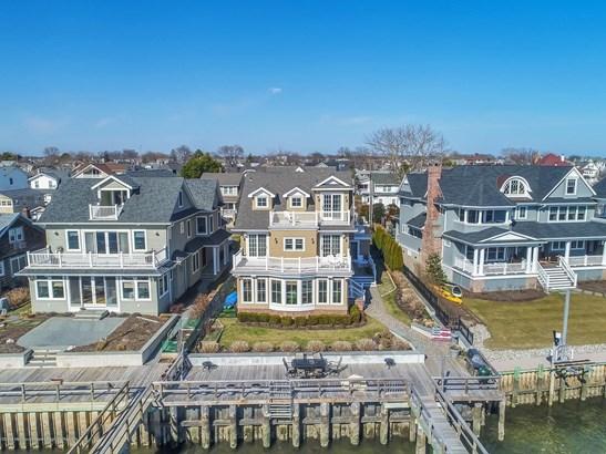Custom,Shore Colonial, Single Family,Detached - Avon-by-the-sea, NJ (photo 2)