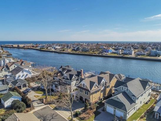 Custom,Shore Colonial, Single Family,Detached - Avon-by-the-sea, NJ (photo 3)