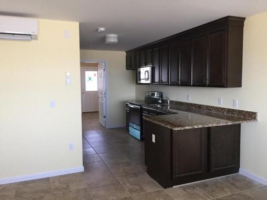 Condominium,Condominium - Attached,Lower Level,One Level Unit (photo 4)
