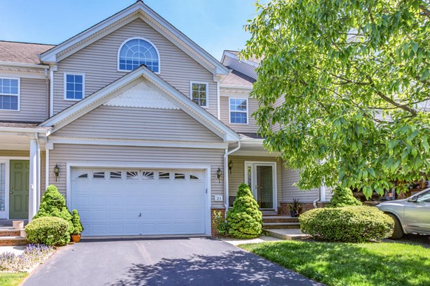 Attached,Side By Side,Townhouse, Adult Community,Attached - Eatontown, NJ (photo 1)