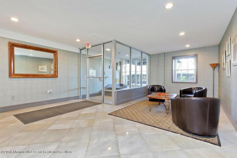 Condominium,Condominium, End Unit,One Level Unit - Asbury Park, NJ (photo 3)